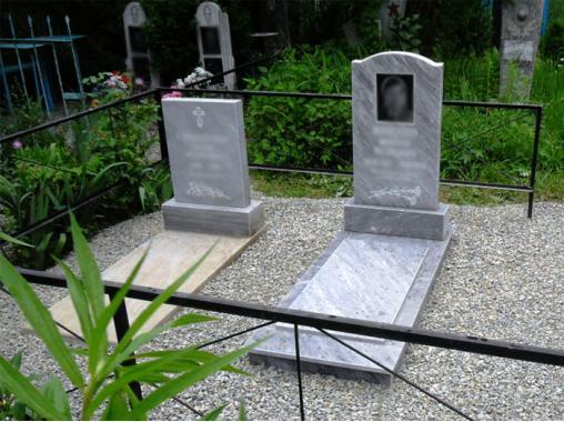 Установка памятника из мрамора